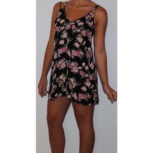 Dresses & Skirts - Super comfortable coverup summer dress