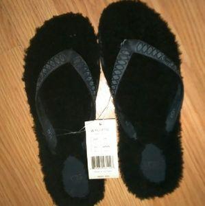 UGG Shoes - W UGG Fluffie flip flop sandal comfy