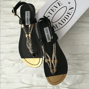Steve Madden Shoes - Steve Madden black/gold thing leather sandals