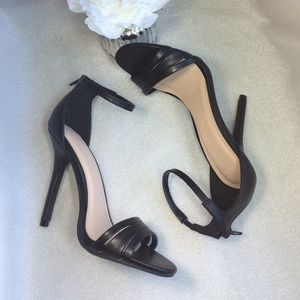 Wild Diva Shoes - New black ankle strap stiletto sandals