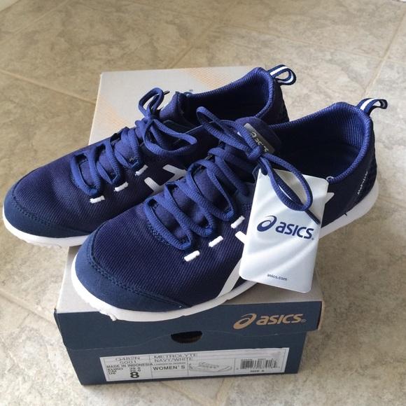 026056ca27cd Asics Metrolyte Sneakers. M 5750a35c5c12f8ef5f001fe3