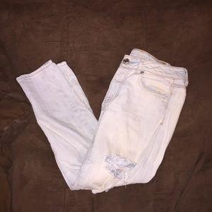 AE boyfriend jeans (distressed)