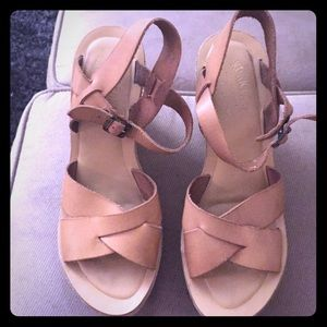 Kork Ease tan wedges