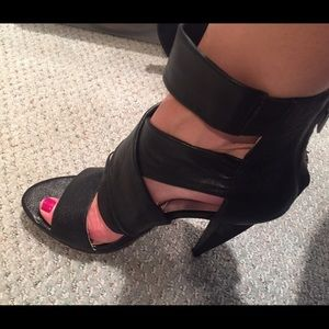 Michael Michael Kors strappy black leather heels