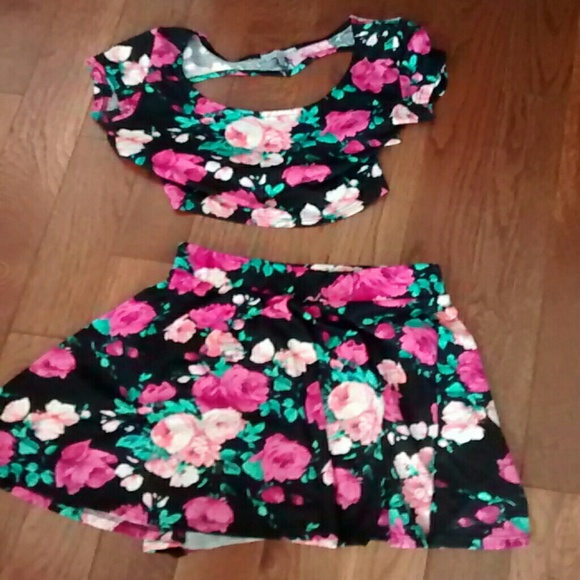 Charlotte Russe Other - Pink Floral crop top and skater skirt