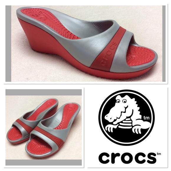 033832b3dbc2 crocs Shoes - Crocs red  silver wedges size 7