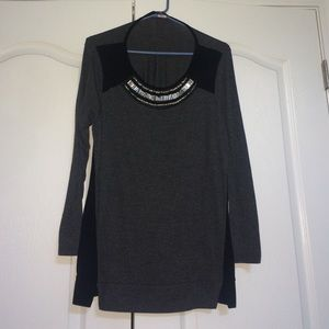 Tops - Black and grey sweater tunic with Jeweled neckline