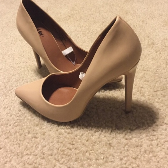 Mossimo Supply Co. Shoes - Mossimo (target) brand NUDE heels. Size 7.5