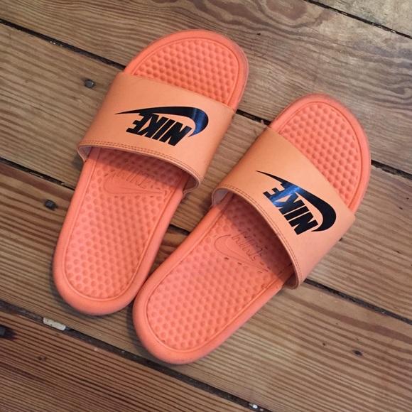 9a2822fae7bd Orange benassi Nike slides. M 5752004e981829dcfa0241a4