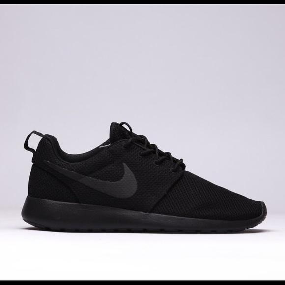 Nike Roshe Black  Black MINT! 9.5 Women 93d843357