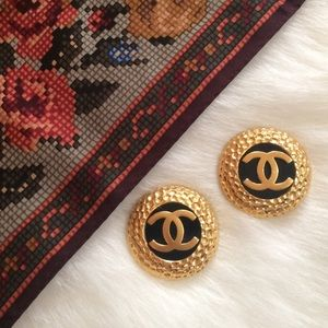 CHANEL Jewelry - ⭐️SALE!! Oversized Vintage Chanel Clip On Earrings