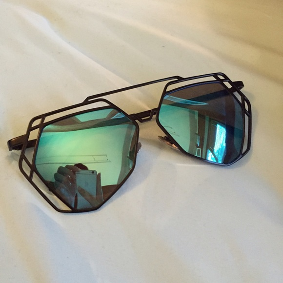 f3a0f14849 New Black   Blue Hexagon Mirror Sunglasses. NWT. Ray-Ban