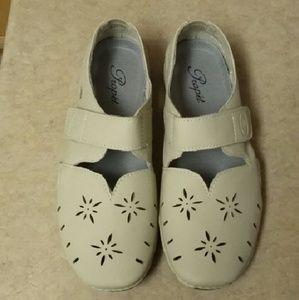 Propet Shoes - NEW Propet Chickadee Flats
