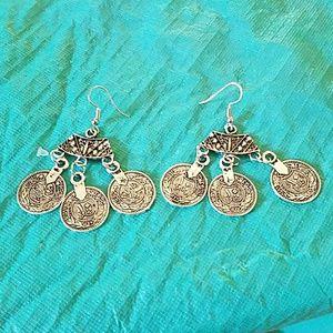 Jewelry - New Western earrings