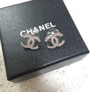 Jewelry - Rhinestone fashion earrings