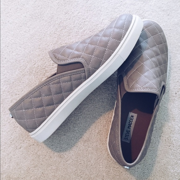f2e9a8197746 Steve Madden Ecentrcq Sneaker in Grey Faux Leather.  M_57531ada713fdeeb5803de8a