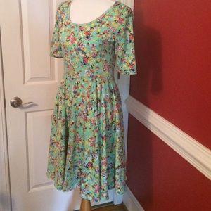 LuLaRoe Dresses & Skirts - LuLaRoe Nicole- M
