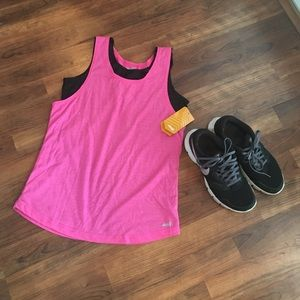 Avia Tops - NWT active tank top in size XL.