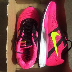 Nike Shoes - Brand New Nike Pegasus