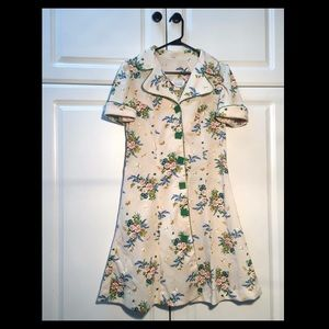 Dresses & Skirts - VINTAGE : LATE 1960s Floral Tee Dress