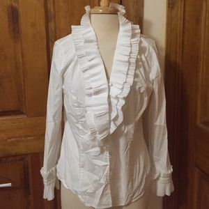 Nexx Tops - Ruffled neck and sleeve top in great condition