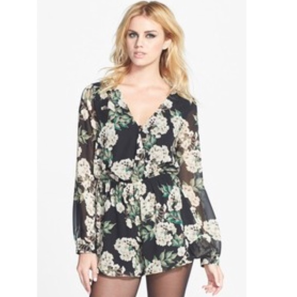 129dabe5c29 ASTR Pants - Black ASTR floral long sleeve romper