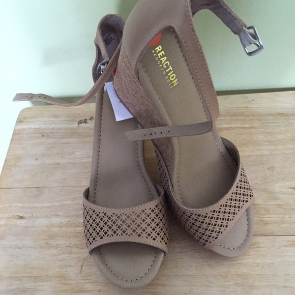 4a419cb6aaf KENNETH COLE Reaction Sole Ness Wedge Sandals