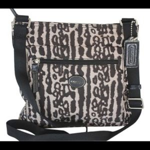 🆕Coach Getaway Ocelot File Bag 💗 #cynthiajanine