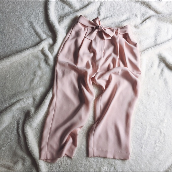 Vince Camuto Pants - MAKE OFFER 💛 Vince Camuto Pink Culottes