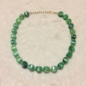 Jewelry - Vintage green crystal necklace