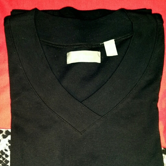 Liz claiborne liz claiborne black v neck cotton shirt for Liz claiborne v neck t shirts