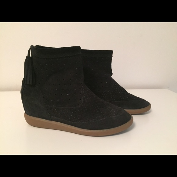 294a619eeaf3 Isabel Marant Shoes - FLASH SALE  Isabel Marant Beslay hidden wedge boot