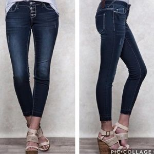 Harlow Denim - ⏫LAST ONE SALE!⏫🎉HP🎉Mid-Rise Ankle Jeans