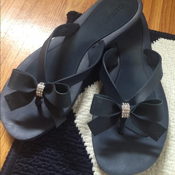 5e6bcb527 Guess Shoes - GUESS Women s Tutu Bow Flip Flops