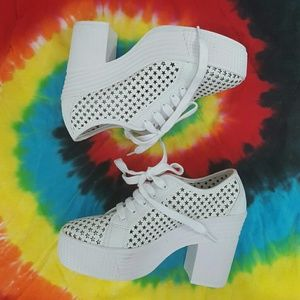 Jeffrey Campbell Shoes - Jeffrey Campbell white star print chunky shoes 8