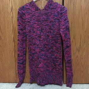 Sweater/hoodie