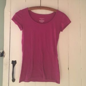 Xhilaration Other - 🔴Pink sleepwear top with specs of color detail