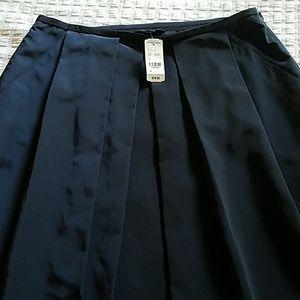 NWT Navy Brooks Brothers Skirt w/ pockets & pleats