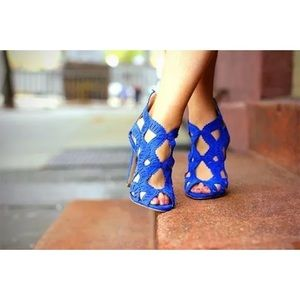 Rare Zara blue criss cross laser cut heels zip