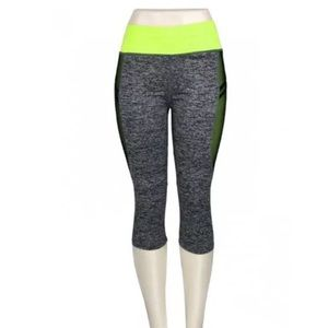 Women's Yoga Active Capri Legging, M/L