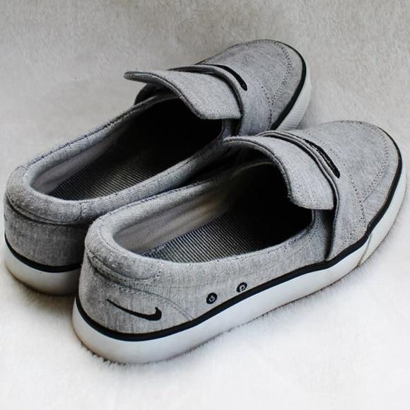 4c7c03beb13 NIKE Balsa 6.0 Loafers - Size 7.5