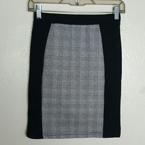 🌟 Cotton On Black & White Bodycon Skirt Size XS