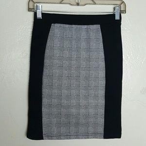 🌺 Cotton On Black & White Bodycon Skirt Size XS