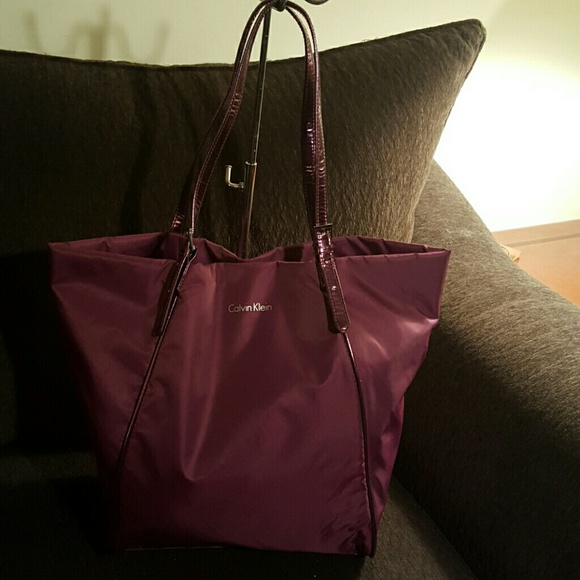 4d0ac18ec05 Calvin Klein Handbags - Purple nylon Calvin Klein tote, euc