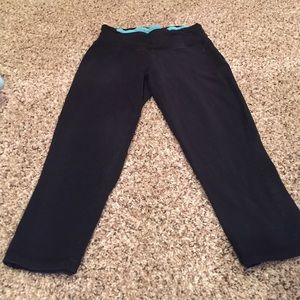 Forever 21 Pants - Forever 21 Crop Yoga Pant