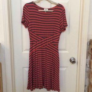 Eci dress striped Sz L Gray Pink jersey knit