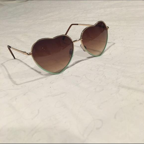 38c907ebac7a5 Heart Shaped Lana Sunglasses. M 5754e5eb2de512947306ed72
