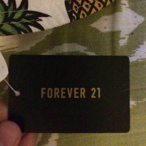 Forever 21 Accessories - Forever 21 pineapple bucket hat 786fe248dd2