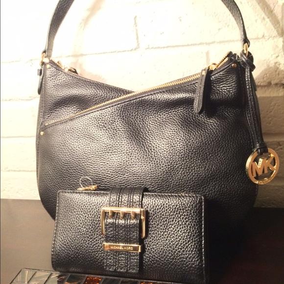 2fe90b99ce0511 Michael Kors Bags   Lea Leather Tote Set   Poshmark