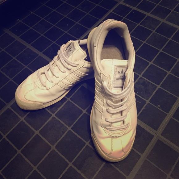 Zapatillas adidas Samoa todos de cuero blanco poshmark  mujer tamaño 7